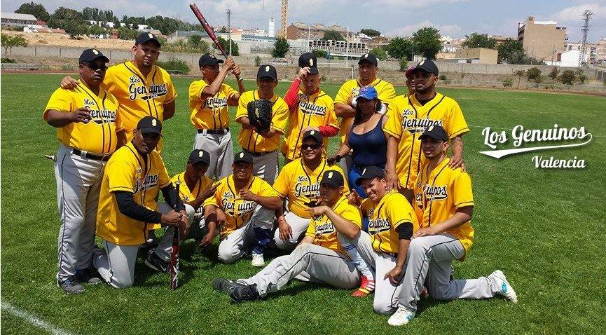"""Club Deportivo """"Los Genuinos"""" de Valencia - Club Deportivo Dominicano de Sóftbol, Béisbol y Baloncesto"""
