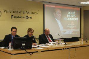 Presentación de la ponencia del Profesor Jose Hoyo, sobre protección de datos en Internet.