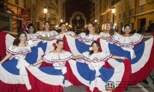 El Nuevo Ballet Folclorico Dominicano, en el Carnaval de Russafa 2017.
