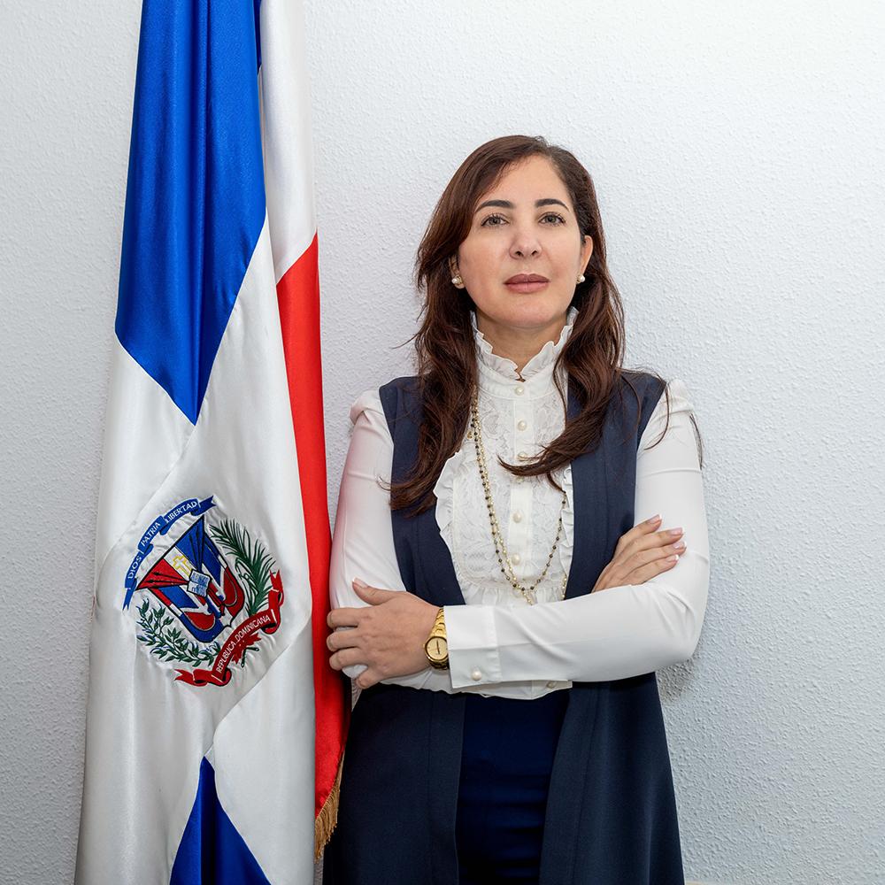Cónsul de Valencia - Romina Catherine León Santos
